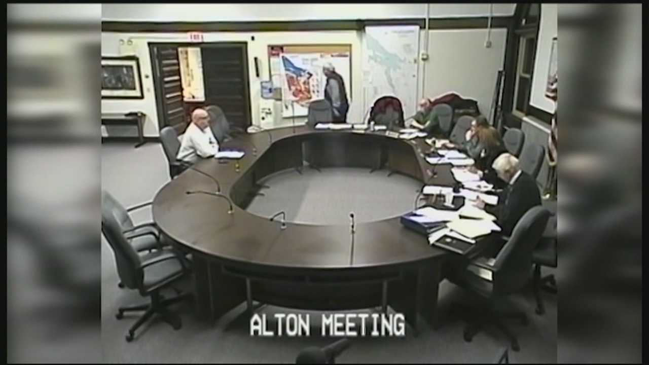 Charges have been dismissed against an Alton man who refused to stop talking during a town board of selectmen meeting.
