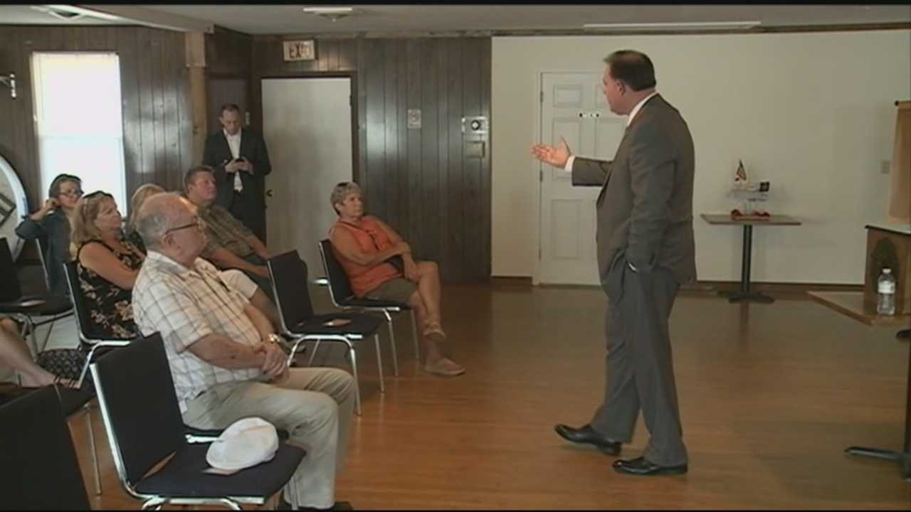 Rep. Frank Guinta held a town hall for constituents in Plaistow on Monday.