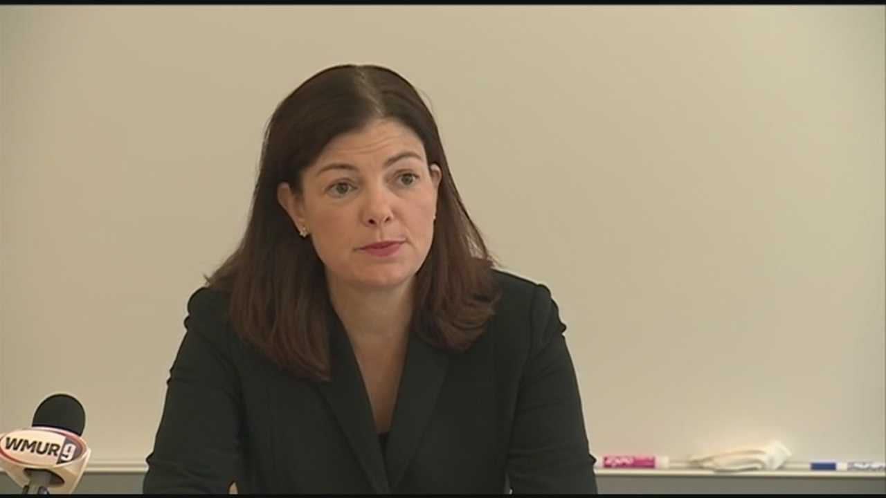 Sen. Kelly Ayotte meets with first responders, doctors and lawmakers to discuss federal legislation aimed at tackling heroin and opioid abuse.