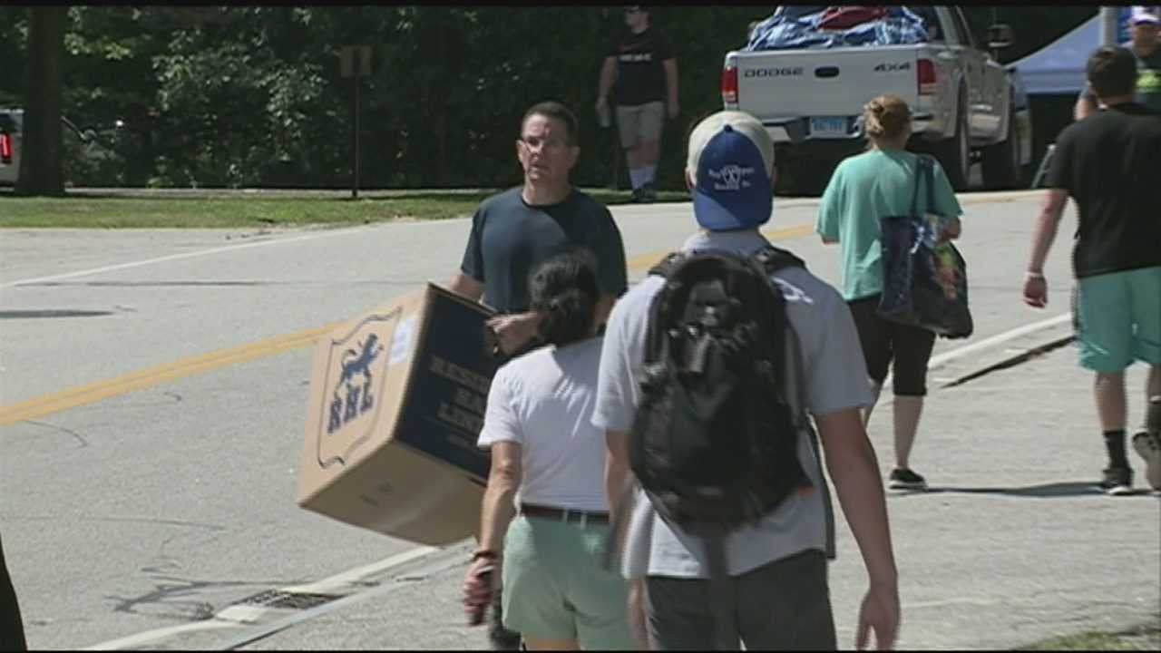 About 3,200 freshmen students moved into their new dormitories on UNH's campus today.