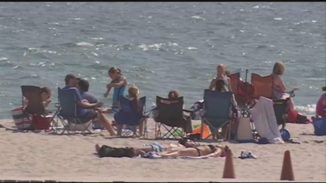 Big holiday crowds are expected in New Hampshire over the Labor Day weekend.