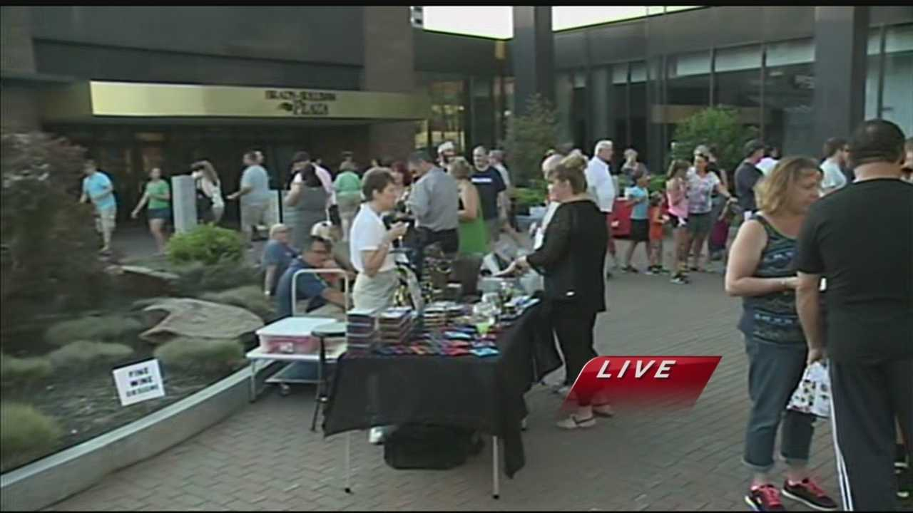 Chief Meteorologist Mike Haddad is checking out live music, food and art at the Taste of Manchester event.