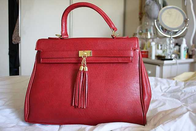 Pocketbook vs. purse