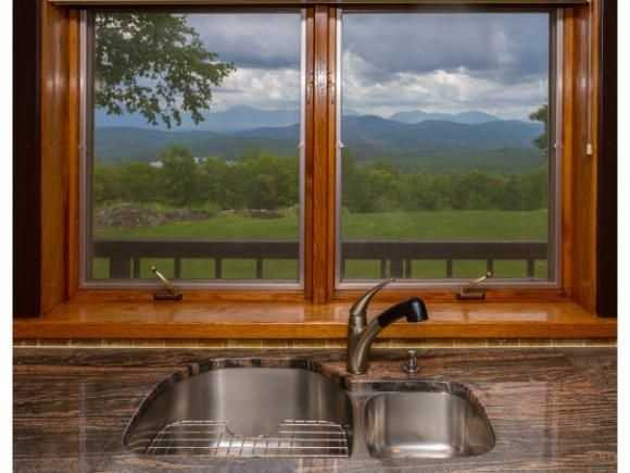 The home offers 270-degree mountain views.