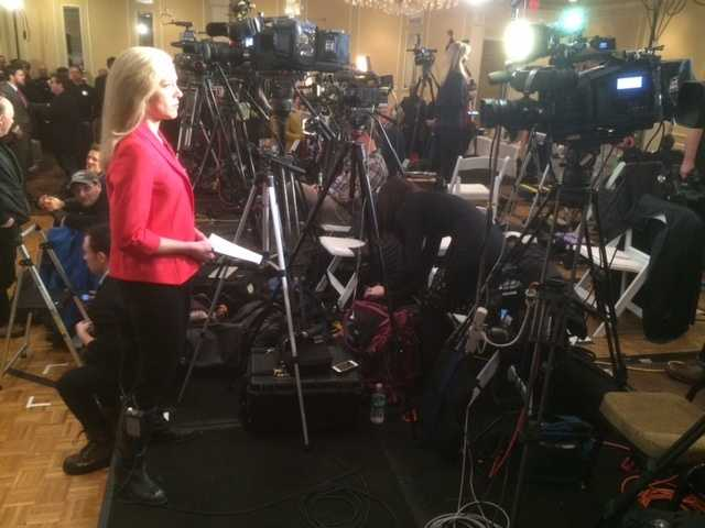 Reporter Kristen Carosa reports live from the Governor Chris Christie campaign headquarters in Nashua.