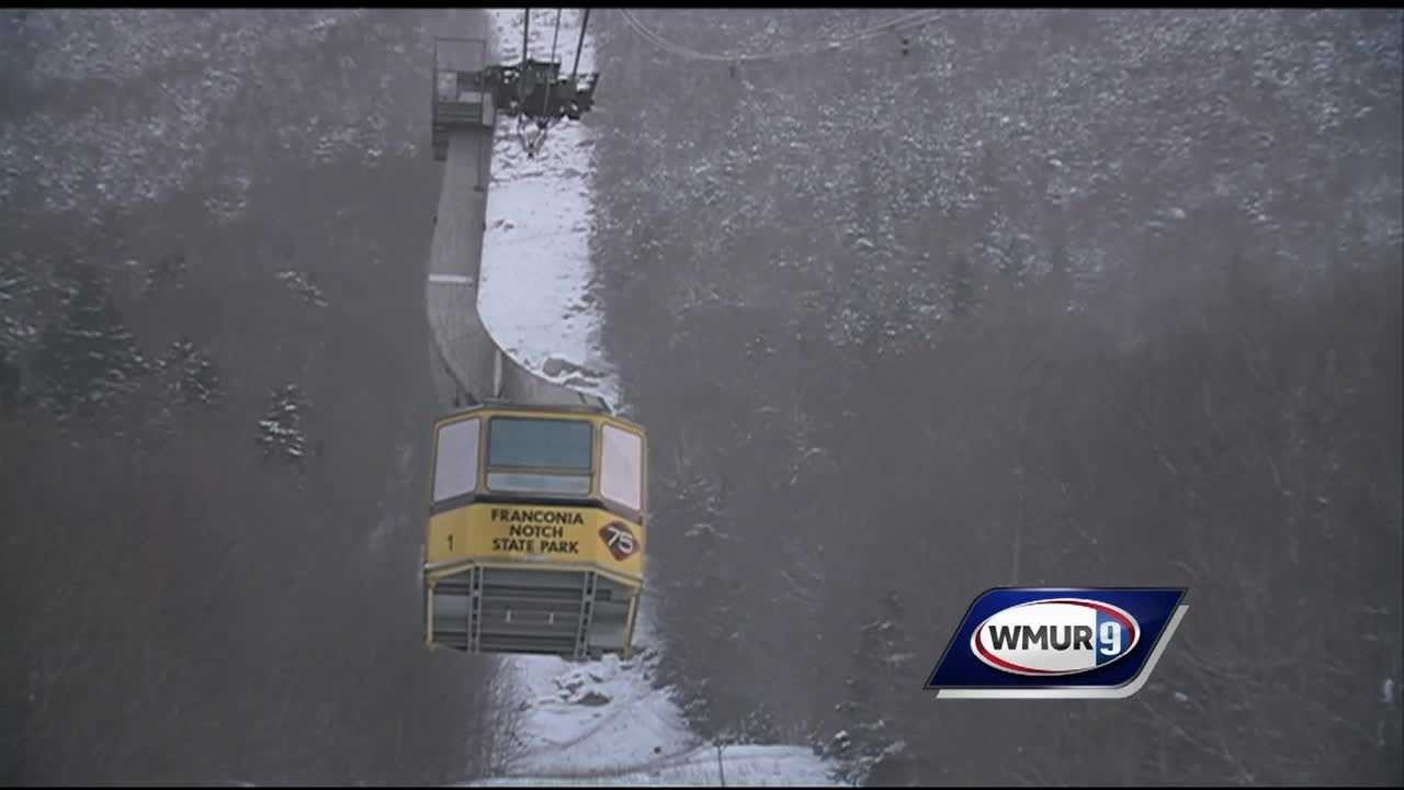 A brake issue caused two tram cars to stop in mid-air, prompting a rescue of all 48 passengers.