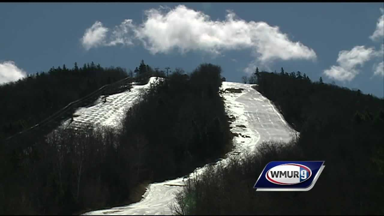 A key state agency has recommended approval of a plan to expand the Mount Sunapee ski resort and establish an agreement to ensure protection of year-round hiking on the summit trail.