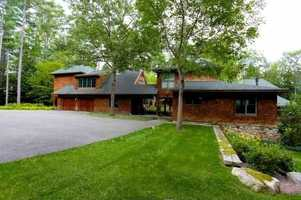 The home has a total of 5 bedrooms and 4 bathrooms.