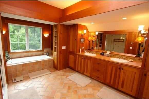 Here's a look inside one of the home's full bathrooms.