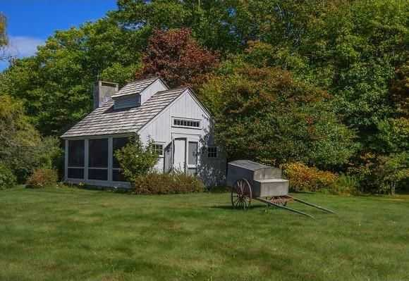 The home has an equipment barn.