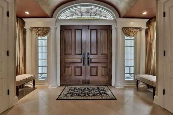 The home's interior is exceptionally detailed.