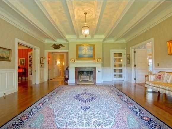 The home has 21 graciously proportioned rooms.