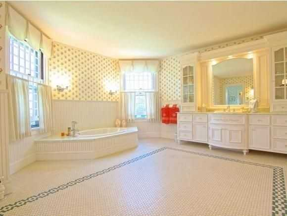 A look inside one of the home's 7 bathrooms.