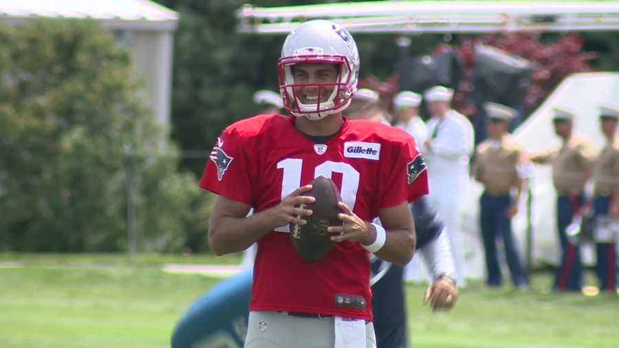 He's close to his familyWhen it came time to choose who he would take down the red carpet at the 2014 NFL Draft, Garoppolo picked his mom.