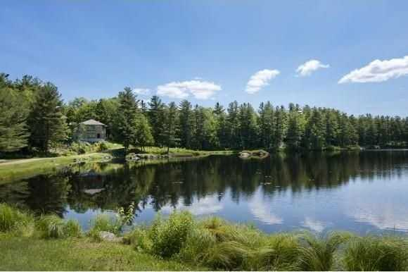 Here's another stunning pond-side view.