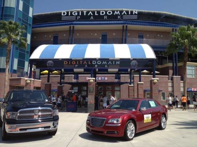 Fans of both the New York Yankees and New York Mets flock to Digital Domain Park for a spring training game between the two teams. (Angela Rozier/WPBF)