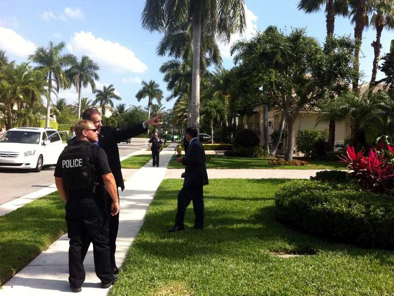 Security officials in Palm Beach Gardens get ready for the president's arrival. (Tiffany Kenney/WPBF)