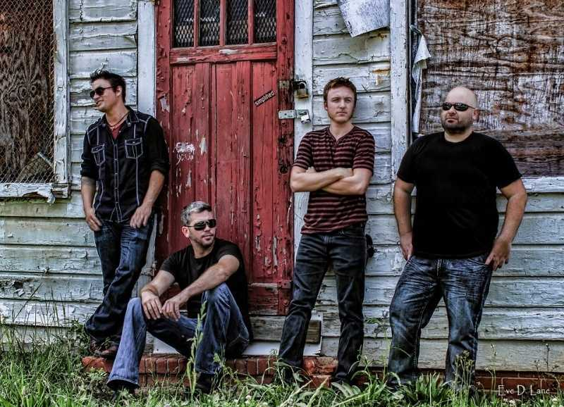 Simplified will be performing on Sunday at 6:00p.m.