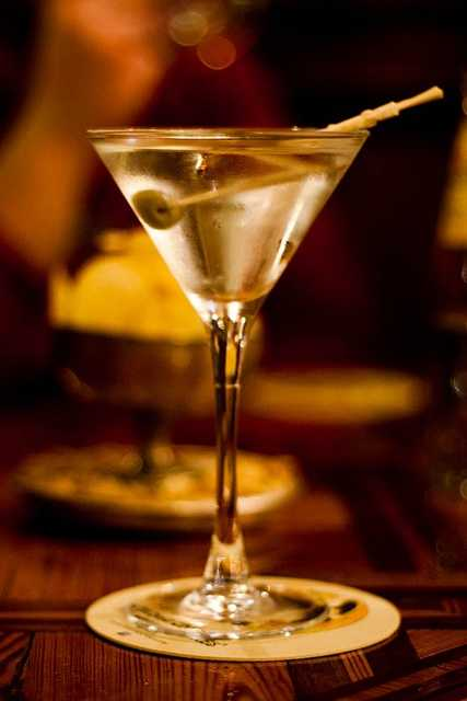 June 19th is National Dry Martini Day. (Jen SFO-BCN/flickr)
