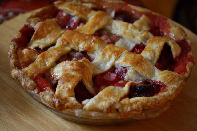 June 9th is National Strawberry Rhubarb-Pie Day. (LexnGer/flickr)