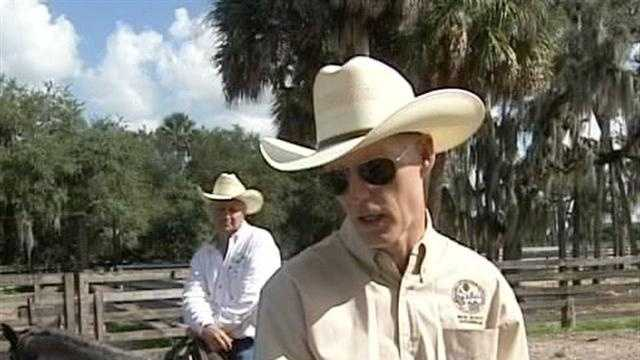 img-Governor gets to work in Okeechobee