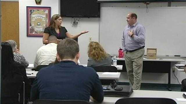 Delray Beach police inform bank employees how to help them solve a growing number of robberies in the city.