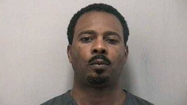 Robert Appling Jr. is accused of leading police on a foot chase in Stuart.