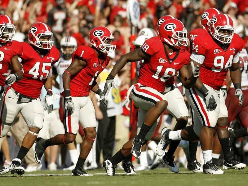 The Georgia Bulldogs have kept pretty much the same uniform style for decades. (Photo: Georgia Athletics)