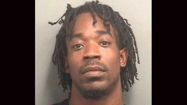 Arthur Robinson Jr. is accused of snatching a woman's purse in Jupiter.