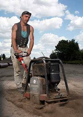 45. Paving, Surfacing, and Tamping Equipment Operators - 23.4% growth (+784 jobs) - $16.22