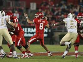 David Piland is tasked with replacing Houston quarterback Case Keenum, who is the NCAA's all-time leader in total passing yards, touchdowns and completions. (Photo: University of Houston Athletics Communications)