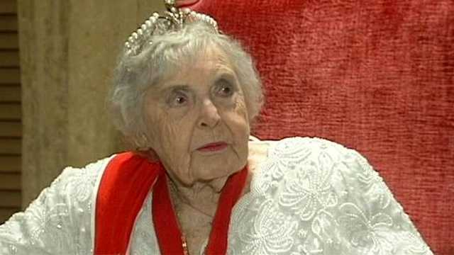 Henrietta, Countess De Hoernle, was honored on her 100th birthday at an extravagant party in Boca Raton on Monday night.