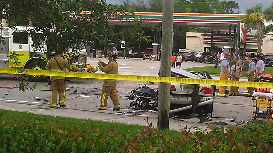 These pictures came in from a u local user on Monday afternoon, right after this fatal car accident in Lake Worth.
