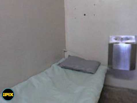 The inmates are housed in a 6 x 9 x 9.5 feet high cell awaiting execution.