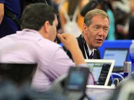 Carl Cameron of FOX News takes a breather. (Photo: John P. Wise/WPBF)