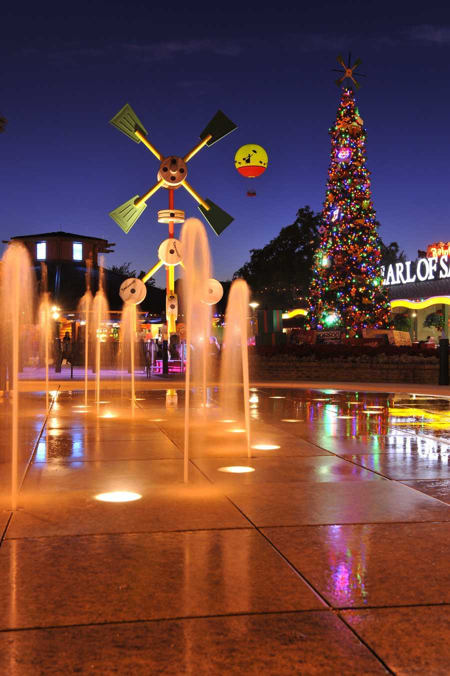 8. Downtown Disney's Festival of the Seasons. Live entertainment, holiday carolers, a street party and photo opportunities with Santa and Santa Goofy await guests to Downtown Disney from Nov. 14-Dec. 19. And don't forget about the shopping.