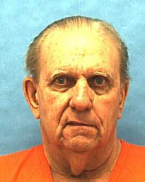 William Harold Kelley 12/8/42 – Kelley was hired to kill Charles Von Maxcy by Maxcy's wife and her lover in 1966. Kelley fatally stabbed Maxcy.