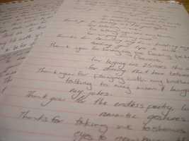 Write a handwritten love letter. (Photo: rarale/flickr)