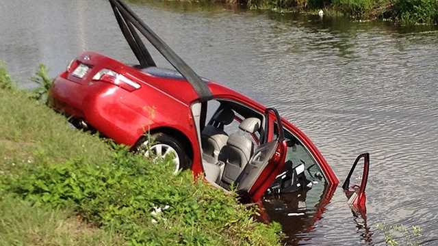 This car was pulled from a canal in Lake Worth on Monday morning. (Photo: Chris McGrath/WPBF)