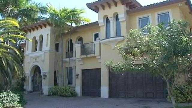 img-Squatter legally lives in Boca Raton house without title
