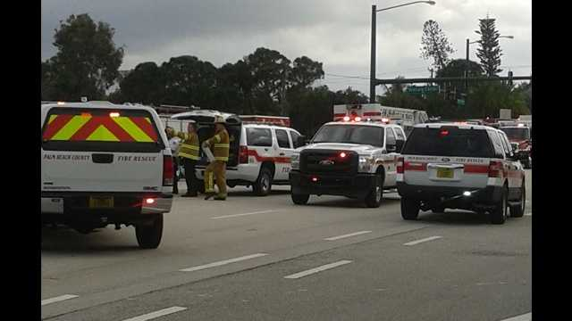 A gas leak prompted the evacuation of Flakowitz plaza in Boynton Beach.