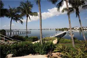 100+/--foot yacht dock has a 16,000-pound main lift plus a second 5,000-pound lift for wave runners.