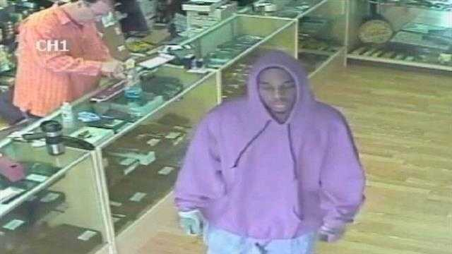 Police in Port St Lucie are searching for a gun store customer who is accused of robbing an auto parts deliveryman.