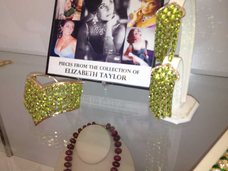 """This jewelry comes from """"Cleopatra"""" actress Elizabeth Taylor's personal collection."""