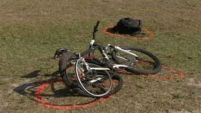Teen bicyclist struck by car in critical condition