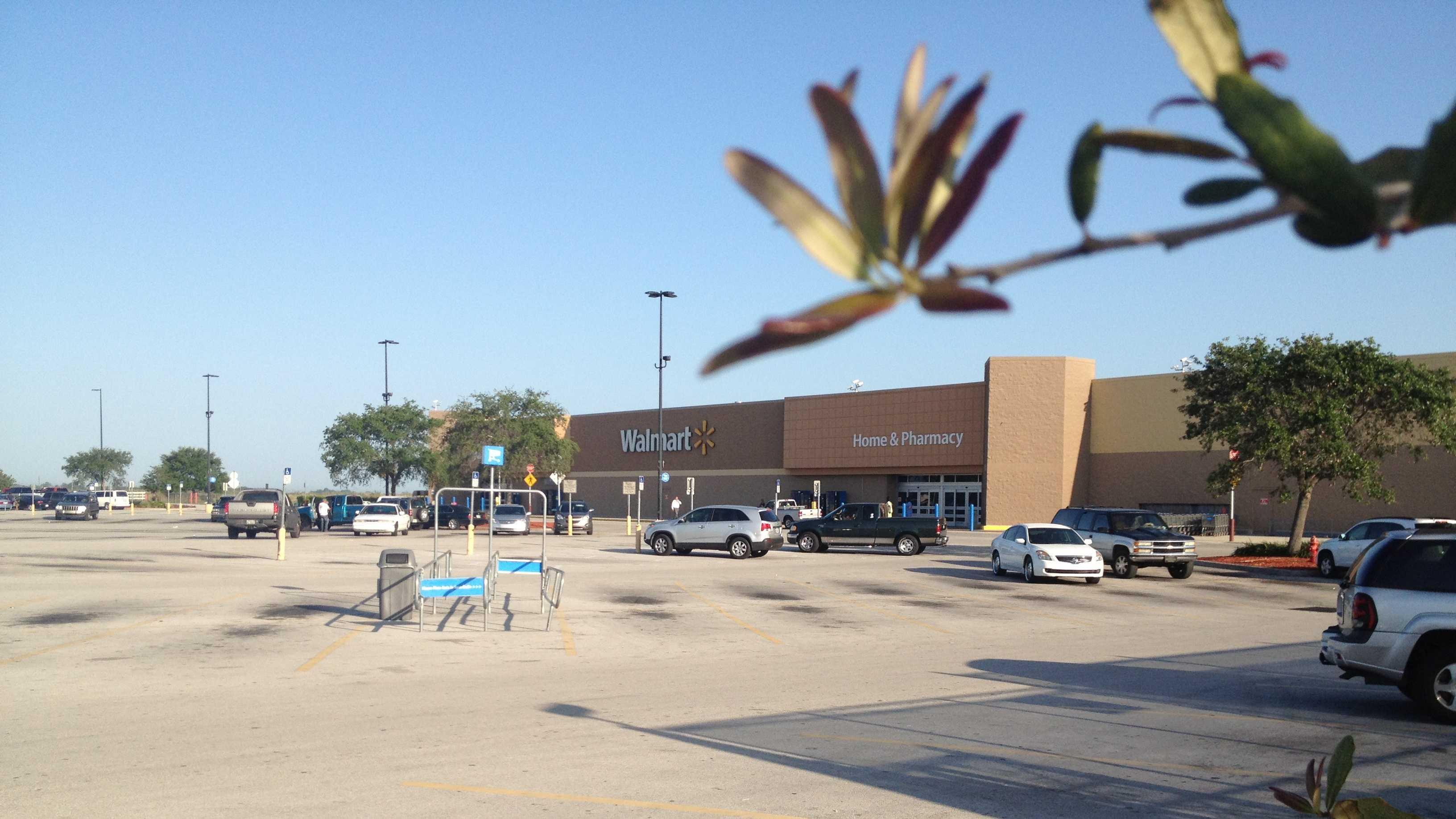 Clewiston Walmart
