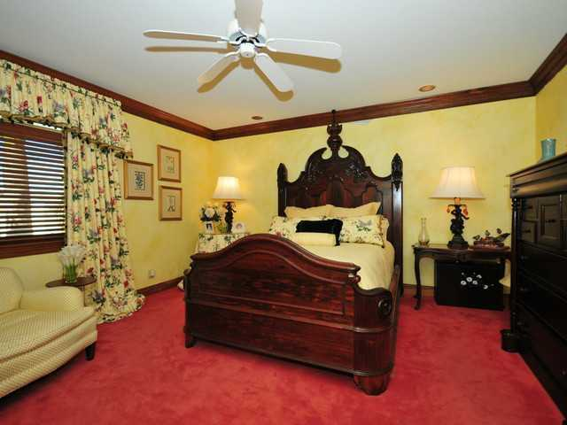 One of the remaining 5 guest bedrooms.