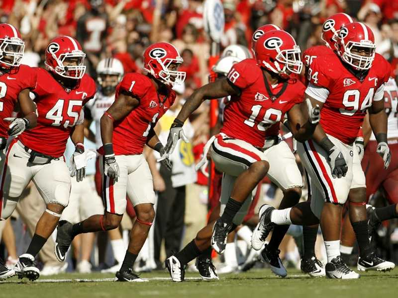 The Georgia Bulldogs have kept pretty much the same uniform style for decades.