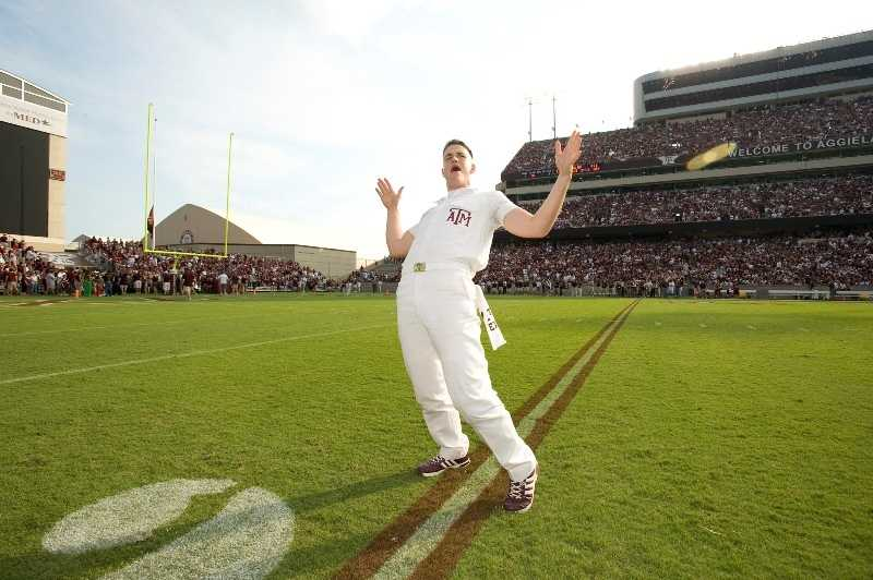 While cheerleading is often a sport defined by women, the Yell Leaders at Texas A&M have proven they belong at the top. Need to know what to do? Watch for their hand signals.