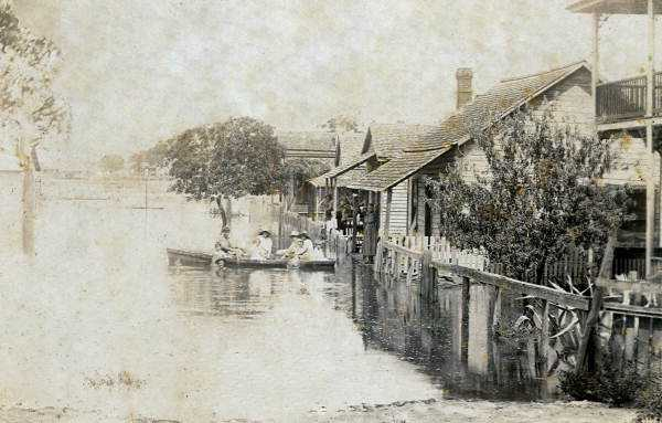 1896: Hurricane near Cedar Key brings flood waters.